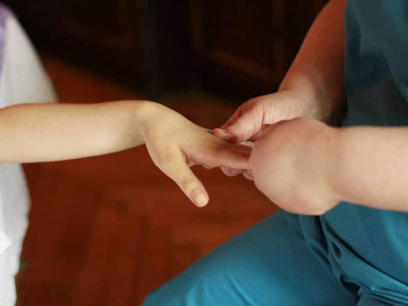 Массаж рук и кистей рук